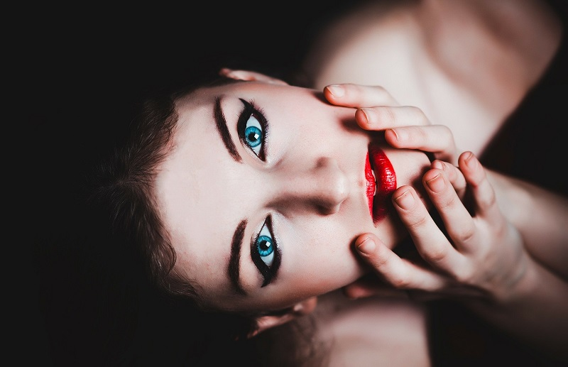 Dark circles under your eyes can be a sign of stress and fatigue but beauty tips for skin can help combat that appearance. Skin Care Tips and Tricks | Homemade Skin Care Tips | Skin Care Tips for Dry Skin | Skin Care for Eyes