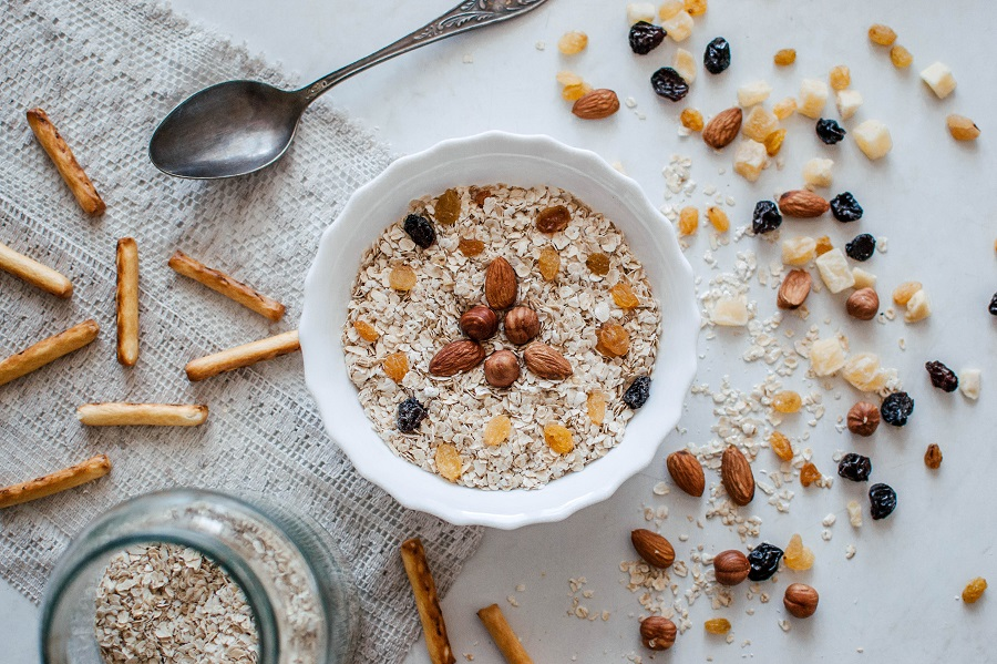 Oatmeal recipes with protein are perfect for a healthy diet, are easy to make, and help you stay full and burn fat. Protein Powder Oatmeal | Protein in Oats with Milk | Overnight Protein Oats | Oatmeal and Protein Powder for Weight Loss