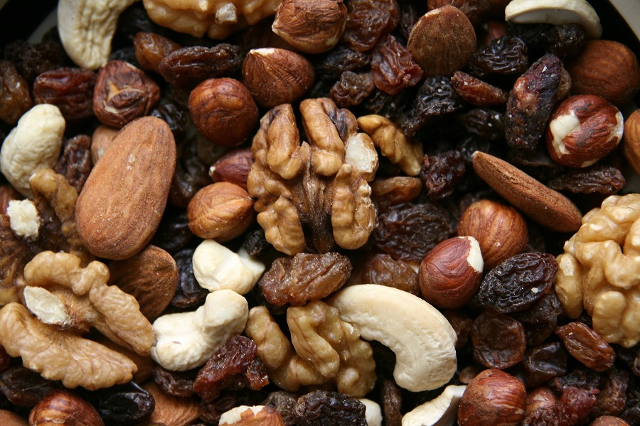 Make ahead snack recipes with nuts will help you get natural protein and so much more without having to put too much work into it. Easy Snack Ideas for Adults | Healthy Vegetarian Snack Recipes | Healthy Prepared Snacks | Cheap Healthy Snack Recipes | Homemade Snack Ideas | Weight Loss Snack Ideas | Snacks for Energy