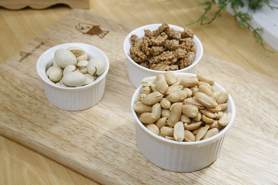 Make ahead snack recipes with nuts will help you get natural protein and so much more without having to put too much work into it. Easy Snack Ideas for Adults   Healthy Vegetarian Snack Recipes   Healthy Prepared Snacks   Cheap Healthy Snack Recipes   Homemade Snack Ideas   Weight Loss Snack Ideas   Snacks for Energy