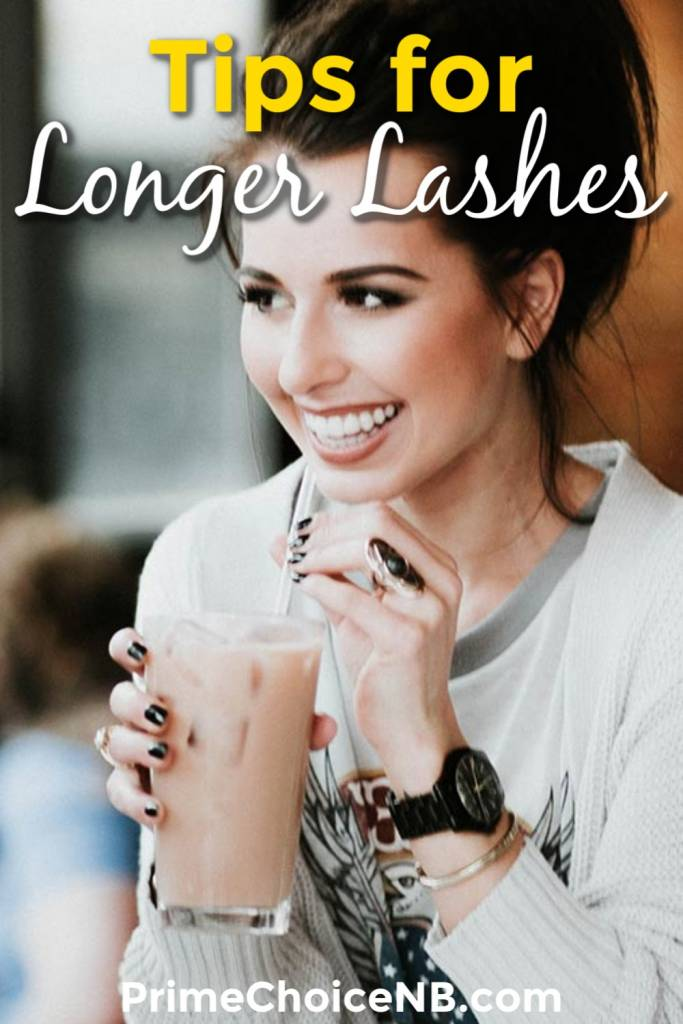 The best tips for longer lashes leave the glue out of the equation and shine a light on natural beauty that you can achieve right at home. Beauty Tips | DIY Beauty Ideas | DIY Home Ideas | Natural Beauty Tips | DIY Eyelashes #beauty #diy