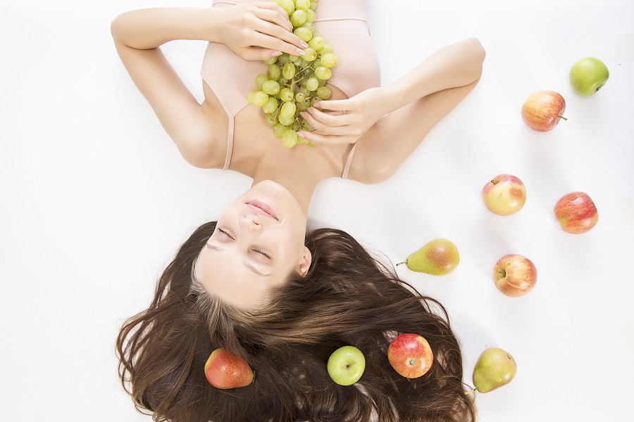 The best vitamin C benefits for skin can really enhance your skin care routine and even act as a natural anti aging serum. Topical Vitamin C for Skin | best Form of Vitamin C for Skin | Vitamin C for Skin Lightening | How to Use Vitamin C for Skin | Benefits of Vitamin C Serums for Skin | Vitamin C Serum Irritating Skin | Vitamin C Serum Side Effects