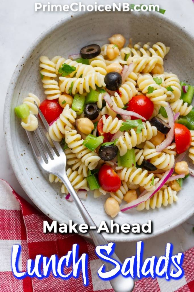 Make ahead lunch salads should be your go-to healthy work lunch option that you can easily grab and go to help you stay on track with your healthy diet. Healthy Lunch Recipes | Healthy Work Recipes | Make Ahead Salad Recipes | Make Ahead Lunch Recipes | Healthy Work Lunch Ideas | Weight Loss Recipes | Salads That Aren't Boring #recipe #makeahead