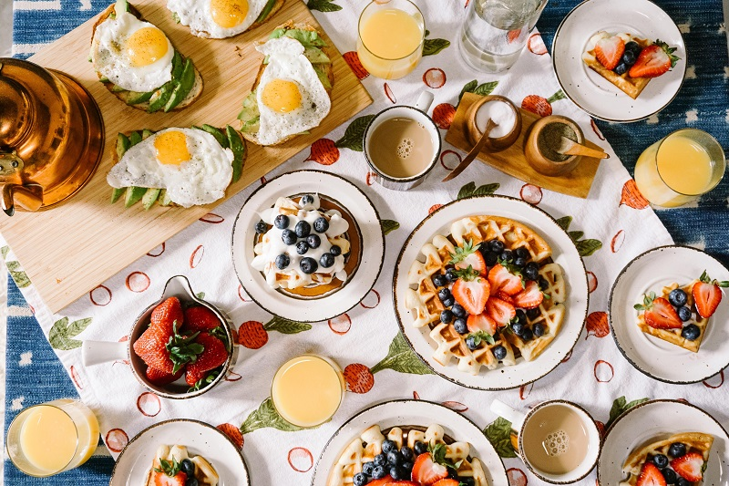 Quick and healthy family breakfast recipes help you save time in the kitchen and offer an easy and healthy start to the day. Healthy Breakfast On the Go | Healthy Breakfast Menu | Tasty Breakfast Ideas | Breakfast Ideas for Kids | Breakfast Ideas for School Days