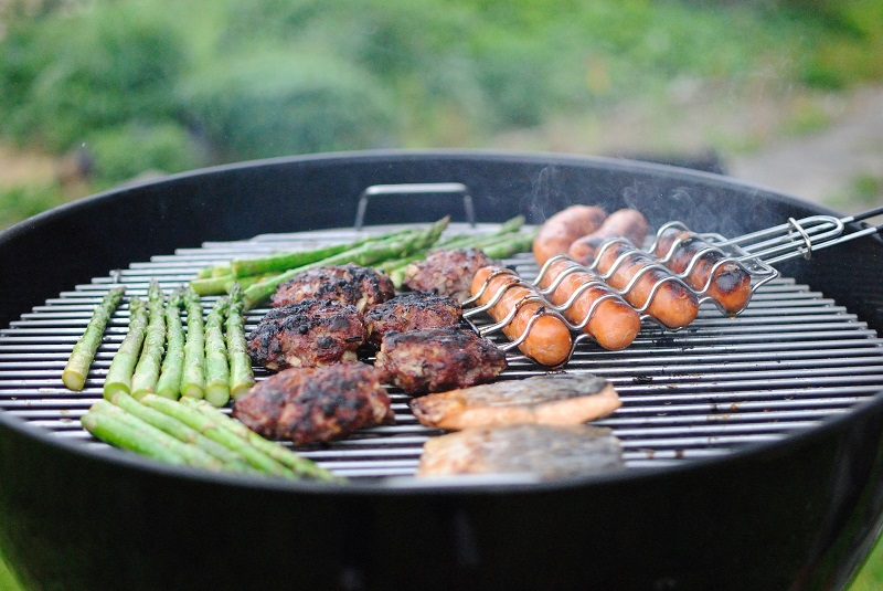 When planning your summer BBQ, the main dish is important but equally important are the summer BBQ side dish recipes you serve. Healthy Side Dishes | Healthy Summer Side Dishes | Healthy Side Dishes for Burgers | Side Dishes for Ribs | Vegan BBQ Sides | What to Serve at a BBQ